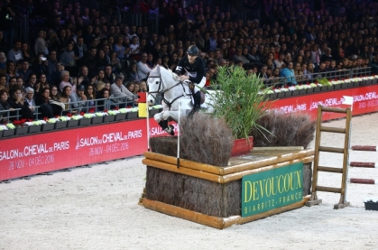 devoucoux-derby-indoor_article_l_cheval_2017_fre.jpg